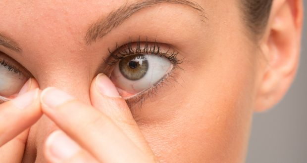 5 Eye Mistakes You Should Stop Doing Right Now - WatsonsHealth
